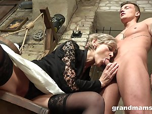 Ancient haired mature wrinkled bitch gives her challenge a solid blowjob