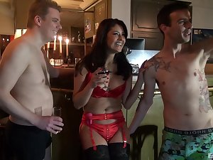 Smooth fucking here the evening with sluts Anita Vixen together with Mariskax