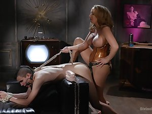 Richelle Ryan is a strong Domme who puts men in their post