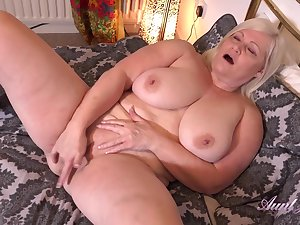 Auntie Lacey Seduction And Jerk Off Instruction masturbation