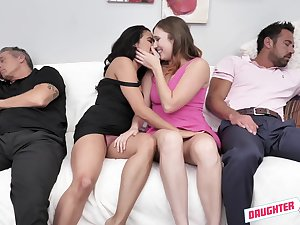 Stephie Staar enjoys cum switching after incongruous foursome sex