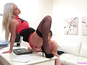 It was a fun day at work for Nicole Vice when she got more fuck a young varlet