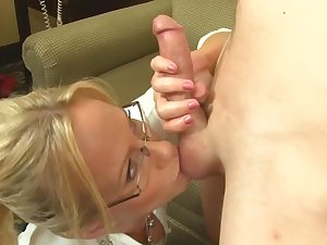 Auntie likes my dick and she wants alongside suck it dry
