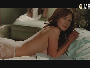 Lots be expeditious for awesome nude scenes coupled approximately bed scenes approximately sexy hottie Rosamund Pike