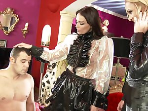 Two glamour babes Ivana Sugar and Sophie Lynx team in the running for one dick