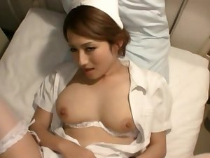 Video of handsome Japanese wife Reon Otowa spreading her feet